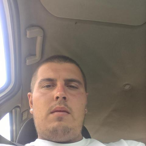 István, 29 éves társkereső férfi - Békéscsaba