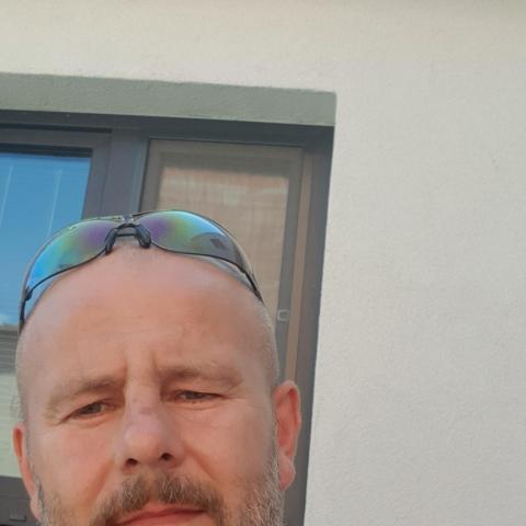 Istvan, 42 éves társkereső férfi - Komano