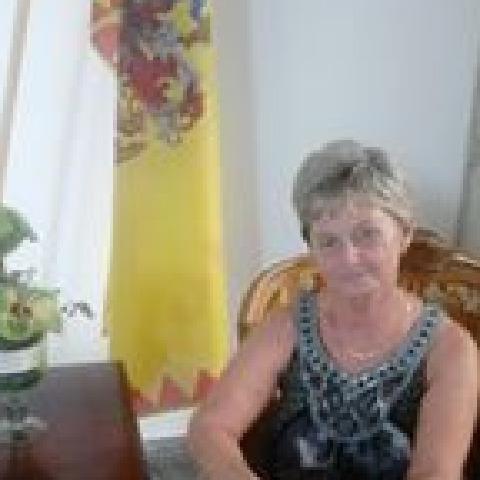 Ági, 60 éves társkereső nő - Miskolc