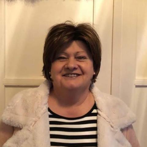 Ági, 62 éves társkereső nő - Eger