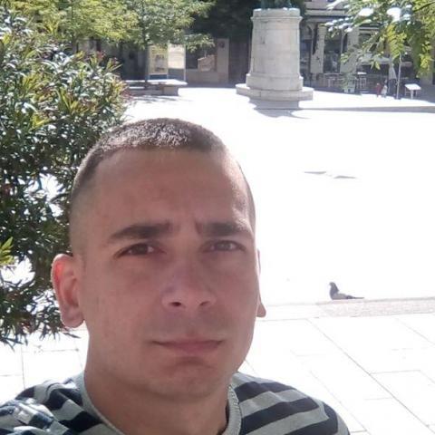 Tibor, 34 éves társkereső férfi - Pécs