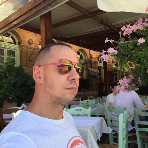 András, 37 éves társkereső férfi - Győr