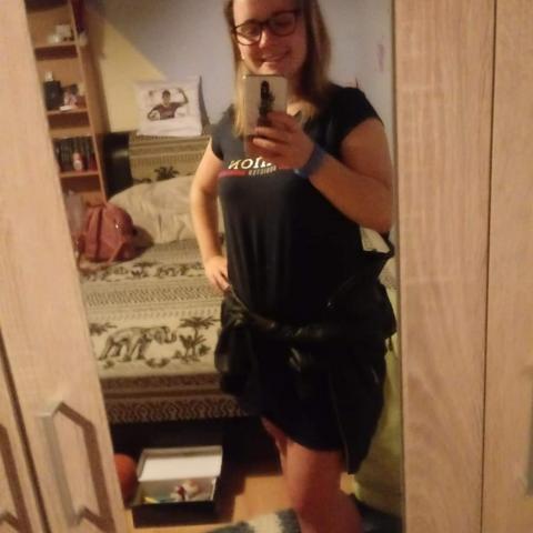 Judit, 19 éves társkereső nő - Csór