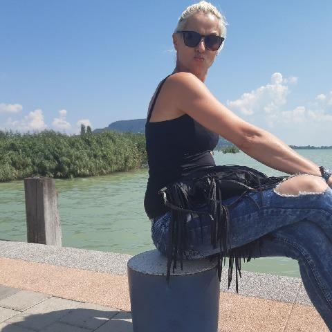 Hedvig, 42 éves társkereső nő - Sümeg