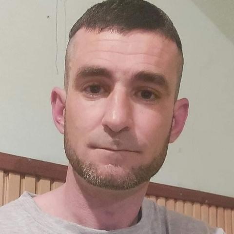Sándor, 40 éves társkereső férfi - Tiszacsege