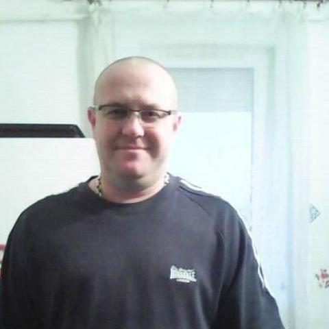 Károly, 42 éves társkereső férfi - Sajószentpéter