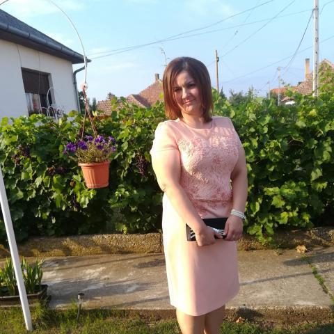 Klára, 33 éves társkereső nő - Tiszaújváros