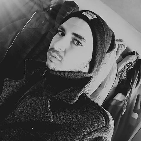 Viktor, 23 éves társkereső férfi - Battonya