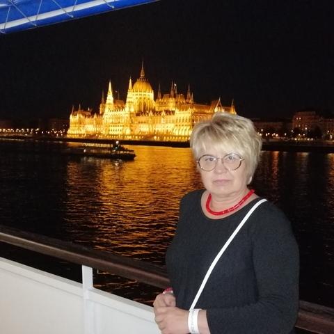 Zsu, 60 éves társkereső nő - Budapest