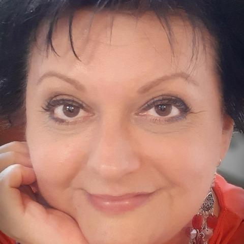 Gyöngyi, 49 éves társkereső nő - Szeged