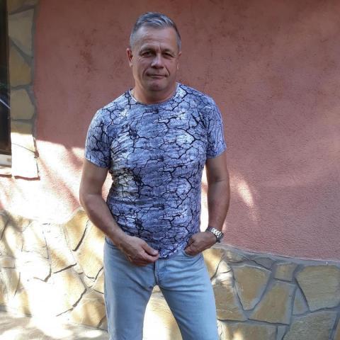 Gábor, 59 éves társkereső férfi - Tatabánya