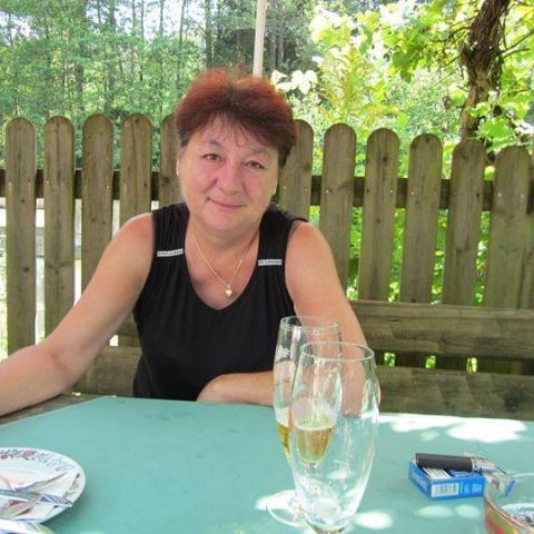Magdolna, 62 éves társkereső nő - Várpalota
