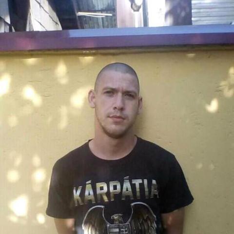 Jozsef, 23 éves társkereső férfi - Heves