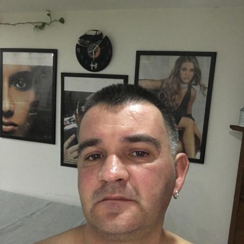 Roland, 44 éves társkereső férfi - Nagyoroszi