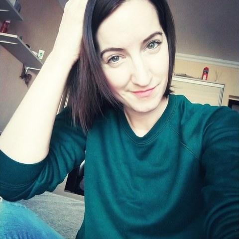 Adrienn, 31 éves társkereső nő - Debrecen