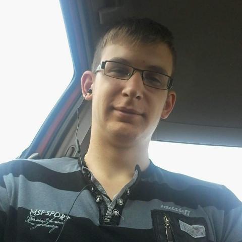 Máté, 20 éves társkereső férfi - Zsombó