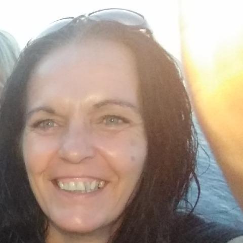 Piroska, 48 éves társkereső nő - Veszprém