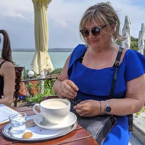 iren, 57 éves társkereső nő - Debrecen