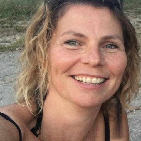 Rebeka, 48 éves társkereső nő - Budapest