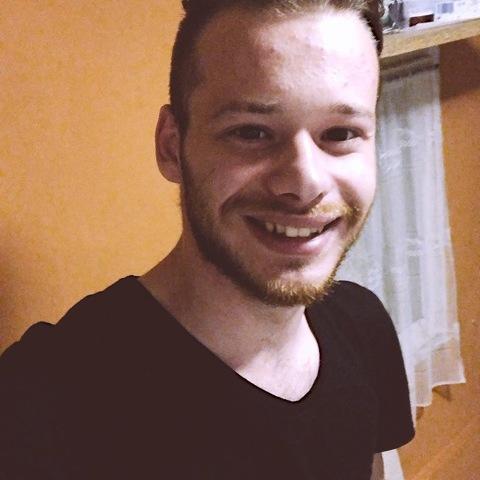 Dávid, 22 éves társkereső férfi - Enying