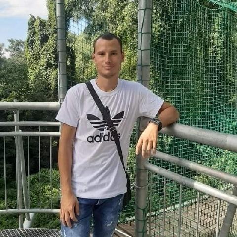 Zoli, 28 éves társkereső férfi - Szeged