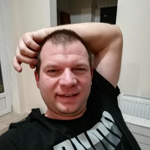 János, 37 éves társkereső férfi - Réde