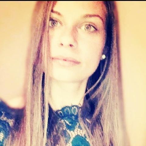 Bianka, 24 éves társkereső nő - Szeged