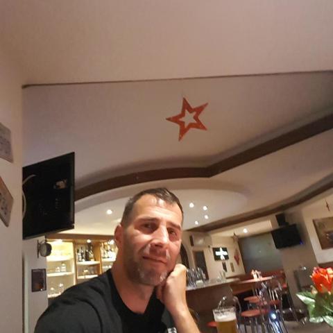 Zsolt, 43 éves társkereső férfi - Tatabánya