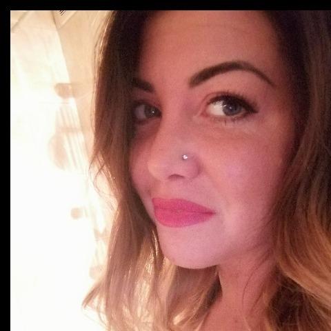 Dóri, 28 éves társkereső nő - Miskolc