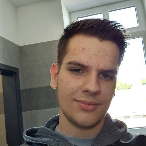 Balazs, 19 éves társkereső férfi - Puchberg am schneeberg