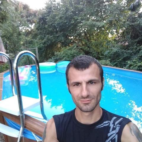 Krisztián, 27 éves társkereső férfi - Nyíregyháza