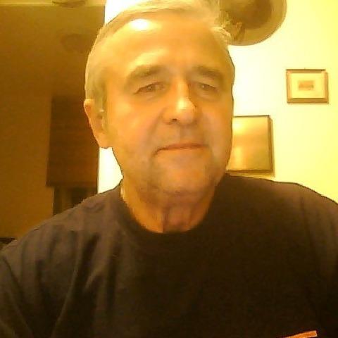 jeno, 63 éves társkereső férfi -