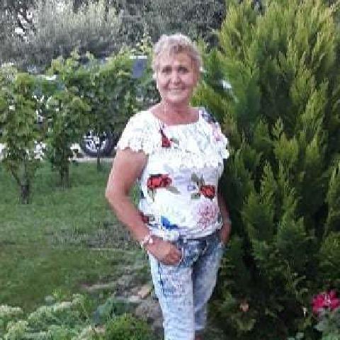 Lili, 60 éves társkereső nő - Gárdony
