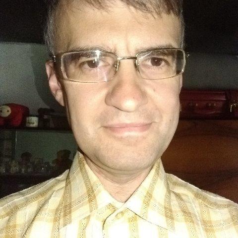 Robi, 44 éves társkereső férfi -