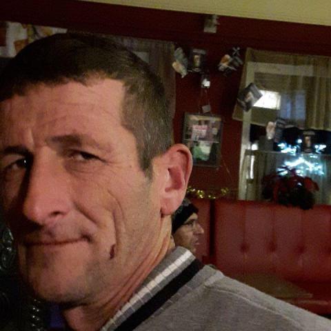 András, 43 éves társkereső férfi - Földeák