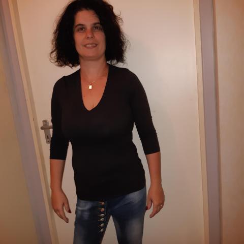 Krisztina, 44 éves társkereső nő - Pécs