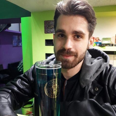 Gábor, 23 éves társkereső férfi - Pécs
