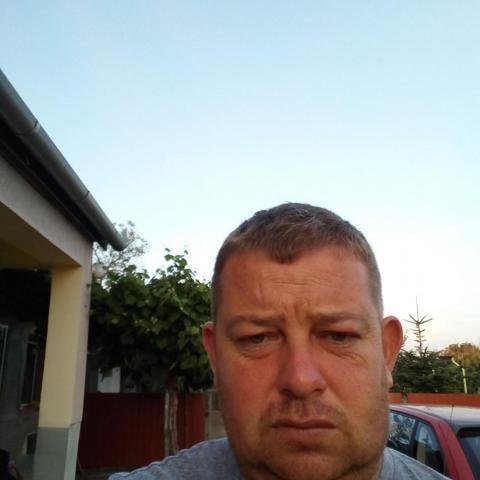 Zsolt, 37 éves társkereső férfi - Nyíribrony