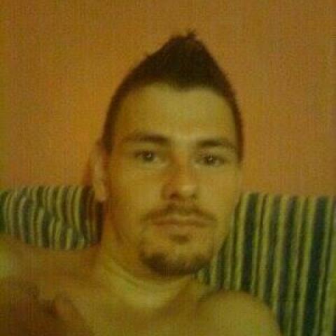 Csabi, 22 éves társkereső férfi - Debrecen