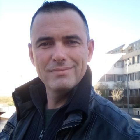 Gábor, 42 éves társkereső férfi - Dunaújváros