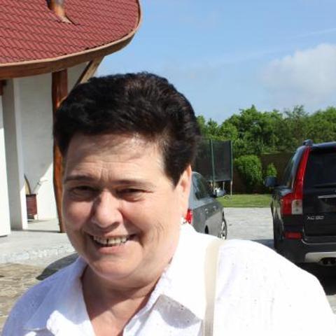 Margó, 68 éves társkereső nő - Miskolc
