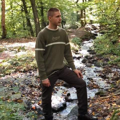 Bence, 18 éves társkereső férfi - Bátonyterenye