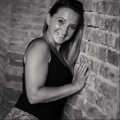 Nikolett, 34 éves társkereső nő - Debrecen