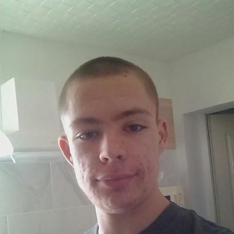 Olivér, 20 éves társkereső férfi - Dunaharaszti