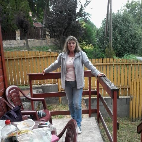 Niki, 67 éves társkereső nő - Budapest