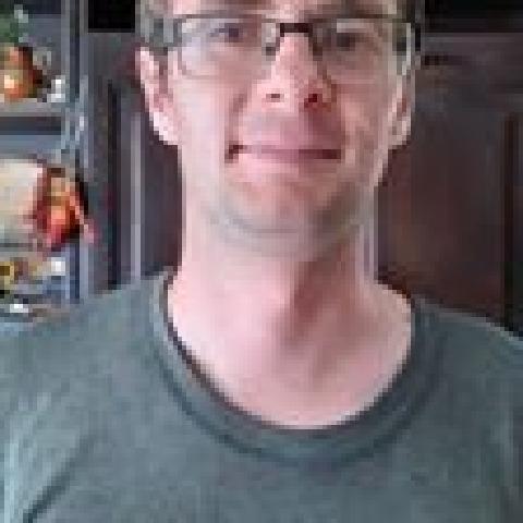 Viktor, 30 éves társkereső férfi - Parasznya