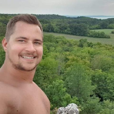 Dávid, 32 éves társkereső férfi - Budapest