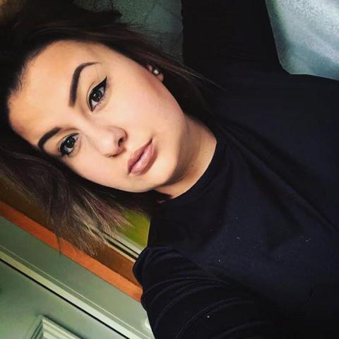 Zsófi, 20 éves társkereső nő - Edelény