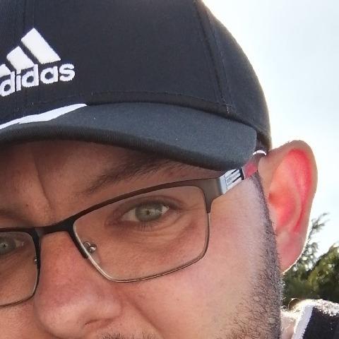 Ádám , 28 éves társkereső férfi - Miskolc