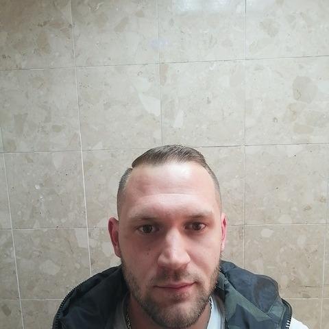 Zoltán, 29 éves társkereső férfi - Gyöngyös